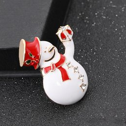 best brooches NZ - Merry Christmas Theme Brooch Pin Cute Christmas Snowman Topper Brooch Best Christmas Gift For Friends And Lovers