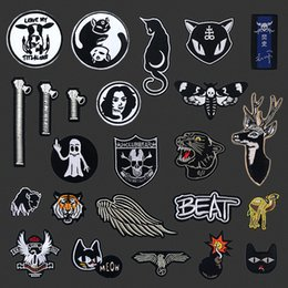 BomB hats online shopping - Elk Bomb Zipper Wing Cat Embroidered Patches Iron On For Clothing Hat DIY Stripes Applique Clothes Accessories Stickers Badge