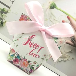 Butterfly Card Shapes Australia - 50pcs Light Pink Flower Butterfly Sweet Love Wedding Paper Gift Jewelry Candy Chocolate Box Anniversary Valentine's Day Favor box