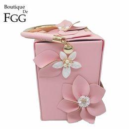 $enCountryForm.capitalKeyWord NZ - Boutique De Fgg Unique Design Gift Box Shape Women Flower Clutch Evening Tote Bag Floral Beaded Wedding Handbag Purse Ladies Bag J190513