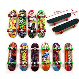 $enCountryForm.capitalKeyWord Australia - Novelty Alloy Stand FingerBoard Skateboard Mini Finger Boards Skate Truck Finger Skateboard For Kid Toy Children Gift Home Decor