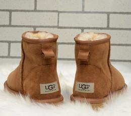 Toptan satış Toptan kış kadın sıcak kar botları soğuk yün sıcak koyun derisi çizmeler Avustralya kadın klasik kısa çizmeler