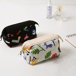 $enCountryForm.capitalKeyWord Australia - Portable Women Comestic Cases Girls Lipstick Eye Shadow Holder Girls Purse Cellphone Key Storage Bag 5 Pieces ePacket