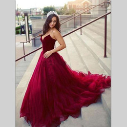 $enCountryForm.capitalKeyWord NZ - Burgundy Elegant Ball Gown Evening Prom Dress Strapless Sleeveless With Sweep Train Tulle Formal Party Dresses 2019 New