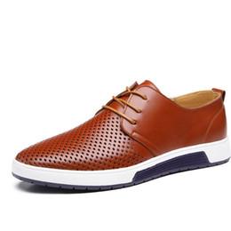 Nouveau 2019 Été Marque Casual Hommes Chaussures Hommes Appartements De Luxe En Cuir Véritable Chaussures Homme Respiration Trous Oxford Grande Taille Loisirs Chaussures en Solde