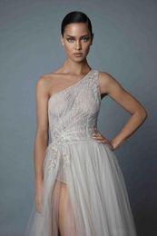 V Neck Collared Wedding Dresses Australia - New Design One Shoulder Wedding Dress 2019 V-neck Long Sleeves Chapel Train Ball Gown Appliques Tulle Bride Gowns Robe de soriee