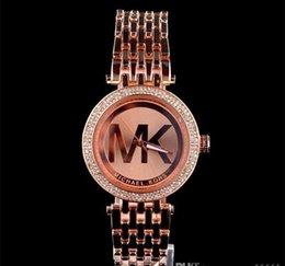 7 цветов M бренд наручные часы мужчины женщины люкс золото наручные из нержавеющей стали Relojes Бизнес мода кварцевые часы механизм серебряные часы