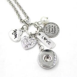 c108f6815d56 Venta al por mayor DIY regalo personalizado 18 mm Snap joyería familia MOM  colgante Charm Necklace Heart Snap collar para madre mamá regalo