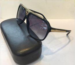 ee4cbf4826 Envío gratis Moda de marca de lujo evidencia gafas de sol retro vintage  hombre diseñador de la marca marco dorado brillante logotipo láser mujeres  de ...