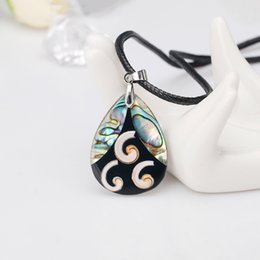 $enCountryForm.capitalKeyWord Australia - Abalone Shell Necklace In Stock Factory Direct Unique Special Ladies Clavicle Stitching Color Pendants Wholesale Necklaces