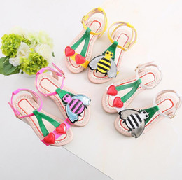 $enCountryForm.capitalKeyWord Australia - Cute Little Heart+bee Girls Sandals Kids Summer Baby Girls Sandals Shoes Skidproof Toddlers Children Kids Flower Shoes Size 3 colors 21-35