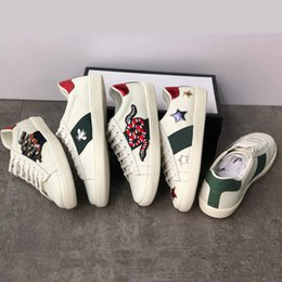 Blue Bee flowers online shopping - Fashion Classic Trainers Ace Leather Sneakers Designer Shoes Flower Embroidered Python Bee Stripes TOP Quality Women Sneakers SZ