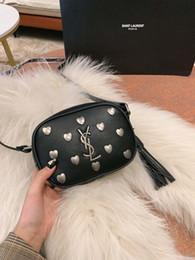 Genuine Leather Bag Design Australia - 2019 New Shoulder Camera Bag To Improve The Comfort Of The Zipper Closure Design To Ensure genuine leather handbags