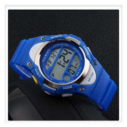 Wholesale Novelty Digital Watch Outdoor Sports Childrens Waterproof Wrist Dress Watch With LED Digital Alarm Stopwatch Lightweight Silicone Blue
