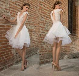 $enCountryForm.capitalKeyWord Australia - New Sexy White Short Wedding Dresses Knee Length Lace Bodice Tiered Skirt Cap Sleeves Keyhole Back Bridal Gowns