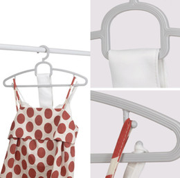$enCountryForm.capitalKeyWord Australia - High quality Multi Clothes Hangers Non-Slip Hook For Suit Coat Closet Garment Outdoor Drying Rack Plastic Wringing Clothing Hanger WCH184