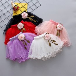 $enCountryForm.capitalKeyWord Australia - INS Designs Little Girls Summer Pearl Flowers Gauze Skirt Short Dance Skirt Baby Girls TUTU Skirts Princess Party Wear Lovely Child Clothing
