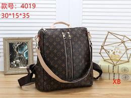 Backpacks velvet online shopping - 2019 Hot sold Designer Handbags Womens Designer Luxury Crossbody Bags Female Shoulder Bags Leather Chain Designer Handbags Purses B009