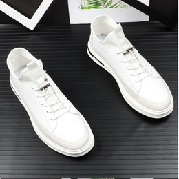 Fashionable Flat Shoes Laces Canada - British Fashionable Pattern Male Business Lace-up Loafers Mens Luxury Designer wedding Shoes Leather Casual Loafers Z9