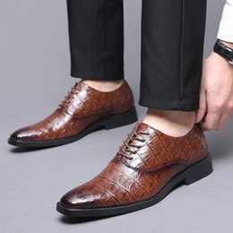 $enCountryForm.capitalKeyWord Australia - 2019 Luxury Mens Dress Shoes Leather Pointed Toe Formal Shoes Classic Men Lace-up Wedding Oxford Elegant Sapato Social