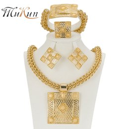 Chinese  Mukun 2017 Latest Best Quality Fashion Italian Dubai Gold Color Jewelry Sets African Women Big Necklace Jewellery C19041701 manufacturers
