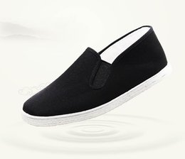 ethnic fabric shoes NZ - Ethnic wind pure manual thousand layer bottom men's cloth shoes beef tendon bottom slip and fleece leisure cotton shoes