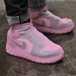 Großhandel Warmraum Tragbare Modische Designer Männer Schuhe Abdeckung Galosh Silikon Outdoor Schuhe Wasserdichte Regen Stiefel Rutschfeste Frauen Gummi-Überschuhe