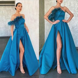 ivory peacock feathers Australia - Abendkleider A Line Peacock Blue Prom Dresses Feather High Side Split Floor Length Formal Evening Dresses Satin Ruffles Cheap Party Gowns