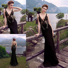 Cross Back Dresses Red Carpet NZ - 2019 New Modest Black Sexy Evening Dresses Lace Deep V Neck Backless Prom Gowns Evening Wear Red Carpet Dresses