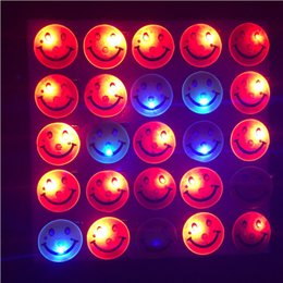 glow party decorations Australia - 50pcs lot Christmas Halloween Decoration Led Smiley Badge Yellow Smile Led Flashing Brooch Glow Brooch Disco Ktv Party Supplies