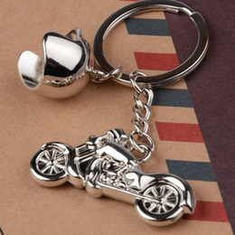 Discount motorcycle chain rings - Motorcycle Key Chain Fashion Helmet Keychain Metal Keyring Creative Key Ring Personality Keychain Novelty Keychain Gift