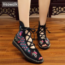 $enCountryForm.capitalKeyWord Australia - Veowalk Peacock Embroidered Women Peep Toe Gladiator Canvas Sandals Chinese Handmade Lace Up Ladies Summer Fabric Flat Shoes Y19070403