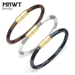 Wholesale MNWT Fashion Cowhide Stripe Bracelet Rope Magnetic Buckle Braclet Cuff Wristband for Women Men Couple Cordao Braslet Masculinos