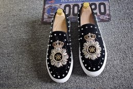 mens smoking slippers Australia - British Fashion Embroidered Loafers Men Rivets Shoes Designer Mens Smoking Slippers Male Wedding and Party Loafers Dress Shoes E104