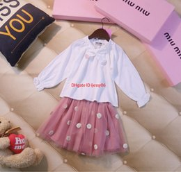$enCountryForm.capitalKeyWord Australia - Girls skirts sets kids designer clothing white shirt + mesh skirt 2pcs autumn new set wave design skirt cutenew