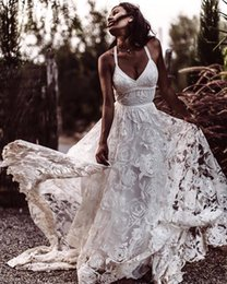 $enCountryForm.capitalKeyWord Australia - Newest Spaghetti Straps White Rose Lace Wedding Dress A-Line Sweep Train Beautiful Wedding Gowns Backless Vintage Bridal Gowns