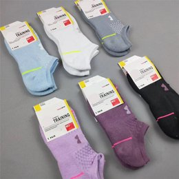 Towel hoT girls online shopping - Luxury Designer Brand Women sock U A Towel Bottom Socks With Tag Women Girls Ankle Socks Low Cut Crew Sport Sock Short Stockings Hot C62913