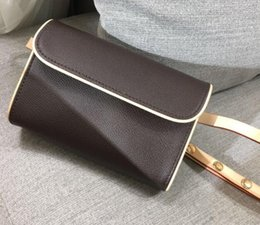 Leather smaLL waist bag for men online shopping - 2019 fashion Women genuine leather small waist bag women fanny pack for women leather belt bag men waist pack with box