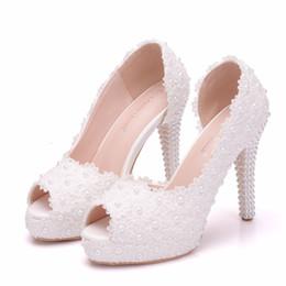 $enCountryForm.capitalKeyWord Australia - Crystal Queen Women FASHION Sweet White Flower Lace Platform Peep Top High Heels Pearls Wedding Shoes Bride Dress Shoes11CM Pumps
