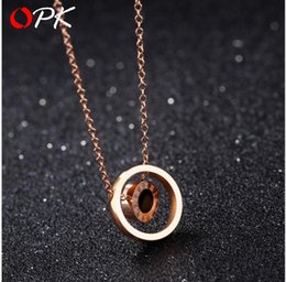 $enCountryForm.capitalKeyWord NZ - Korean version of Roman numerals double-sided black and white shell round rose gold necklace Plated 18k clavicle chain titanium steel pendan