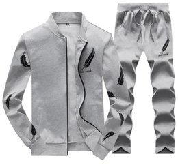 mens sports suits UK - Warm Tracksuits Mens Baseball Jacket Pants Tracksuits Sports Teenager Clothing Sets Fashion Feather Design Printed Suits