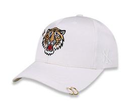 $enCountryForm.capitalKeyWord UK - Sun Hat Fashion Designer Caps Tiger Head Baseball Cap for Mens Womens Caps Adjustable Beauty Tiger Embroidery Hats 2 Colors High Quality