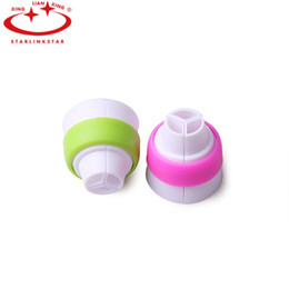 $enCountryForm.capitalKeyWord Australia - Wholesale- 1 pc 3 Holes Icing Piping Bag Nozzle Converter And Russian Nozzle Mix 3 Colors Cake Decoration Converter Nozzle For Cupcake