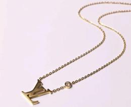 132734a393d2 Marca de lujo Gargantilla Collares Joyería 316L Acero Titanio 18 K Oro Rosa  Plateado Collar Collar de Plata Colgante Para Las Mujeres Regalo