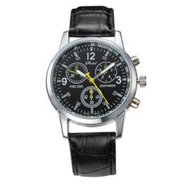 $enCountryForm.capitalKeyWord Canada - New Fashion Watches Quartz Men's Watch Cool Women man Leather Belt Watch Roman Three Dial Analog Wrist Watches Cheap
