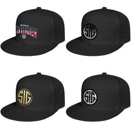 China SIG Sauer Flash gold stereoscopic dresses For men and women Flat edge Baseball Cap Custom Blank Best Hats American flag Distressed phone supplier flag phone suppliers