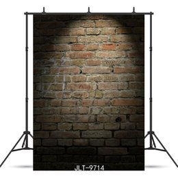 China vintage dark brick wall spotlight Vinyl photography background for child baby shower new born portrait backdrop photocall photo studio cheap brick wall photo background suppliers
