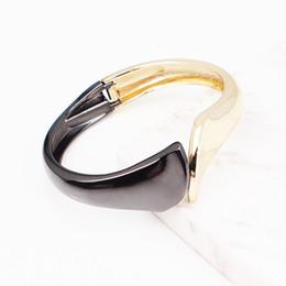 $enCountryForm.capitalKeyWord UK - Mixed Color Alloy Big Cuff Bracelets For Women Jewelry New Fashion Metal Statement Bangles Bracelets Accessories