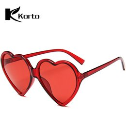$enCountryForm.capitalKeyWord NZ - 90S Vintage Yellow Pink Red Glasses Fashion Large Women Lady Girls Oversized Heart Shaped Retro Sunglasses Cute Love Eyewear