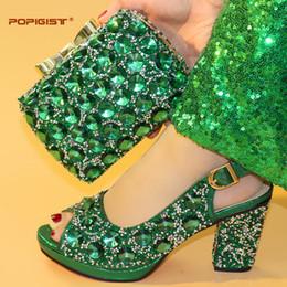 Grande colore verde brillante grandi pompe pochette confortevole frizione da sera borsa a tracolla decorazione di cristallo scarpe piattaforma e corrispondenza borsa